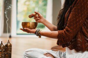Tot ce trebuie să știm despre mindfulness și cum ne poate ajuta să trecem peste momente stresante. Explicaţiile psihologului