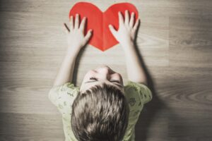 Subconștientul oamenilor rămâne blocat la perioada când a primit cea mai puțină dragoste