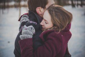 Iubirea explicată de psiholog: Cum se simte? Cum știu că iubesc? Ce am de făcut în momentul în care cineva îmi spune că mă iubește? Răspunsuri pe care le căutăm când apar emoțiile legate de iubire