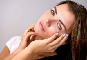 Pielea are nevoie de îngrijire suplimentară primăvara. Cum tratăm problemele dermatologice care apar odată cu venirea căldurii? Explicațiile medicului specialist