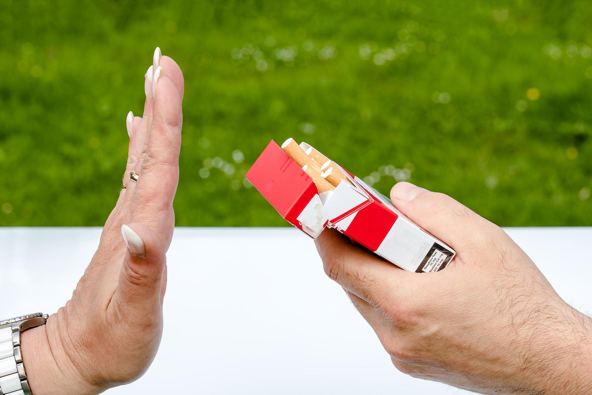 Cele mai frecvente scuze pe care le găsesc fumătorii când vine vorba de viciul lor preferat. Un cunoscut psiholog atenționează: Lipsa iubirii ne facem să fumăm mai mult