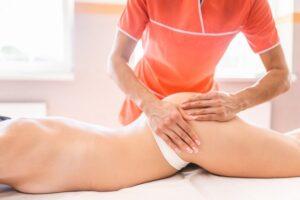 Cel mai intens masaj care îți tonifică posteriorul în 5 ședințe